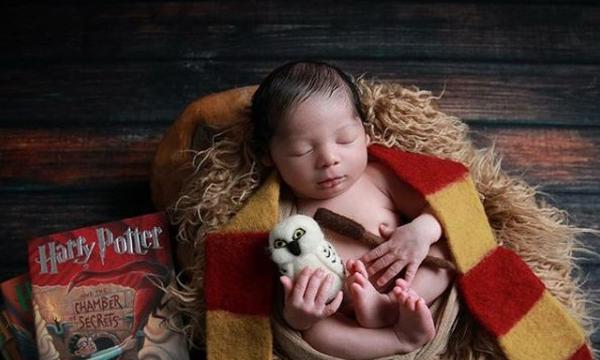 Ψάχνετε ιδέες για να φωτογραφίσετε το νεογέννητο μωρό σας; Ιδού, οι καλύτερες