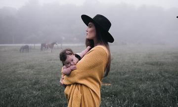 Όχι, δεν μπορείς να πάρεις στην αγκαλιά σου το μωρό μου