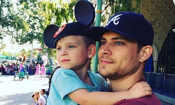 Οι Dilf της Disneyland είναι ο νέος λογαριασμός στο Instagram που θα αρχίσετε να ακολουθείτε (pics)