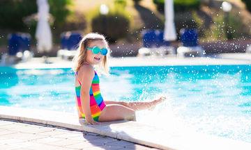 Σε ποια ηλικία μπορεί να κολυμπήσει ένα παιδί μόνο του;