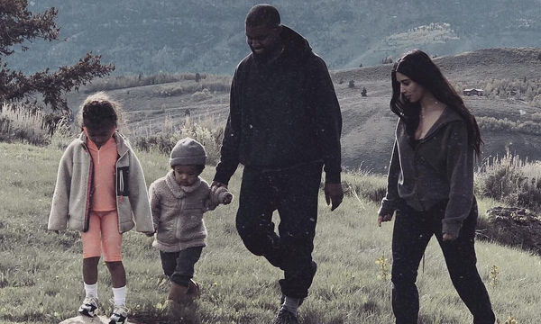 Οι πιο όμορφες στιγμές της οικογένειας West-Kardashian μας έκλεψαν την καρδιά (pics)