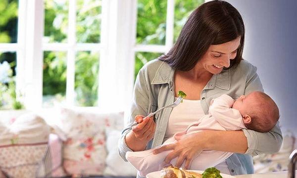 Διατροφή μετά την εγκυμοσύνη: Οι σούπερ τροφές για μία νέα μαμά