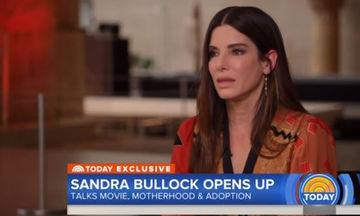 Ελένη Μενεγάκη: Συγκλονισμένη από τη συνέντευξη της Sandra Bullock για τη μητρότητα