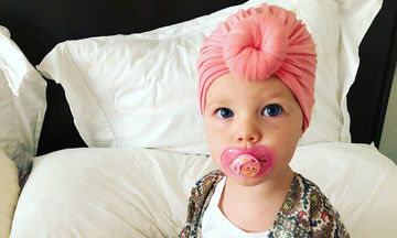 Κι όμως, αυτή είναι η γλυκύτατη κόρη γνωστού ηθοποιού (pics)