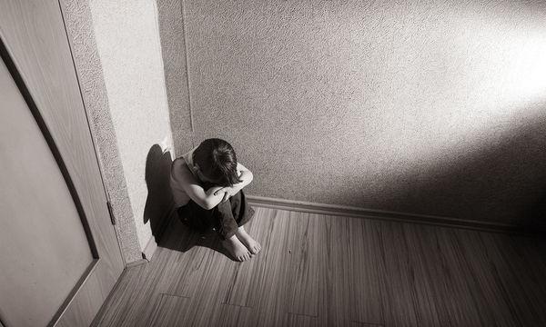 «Το παιδί μου παραπονιέται για σωματικά συμπτώματα και έχει αλλάξει η συμπεριφορά του»