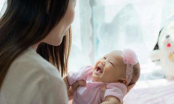 Αστείοι τρόποι για να κάνετε το μωρό σας να γελάσει