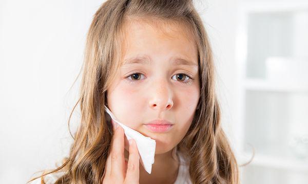 Όταν τρώω κρύο ή όταν πίνω κάτι ζεστό με πονάει το δόντι μου, γιατί;
