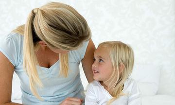 Πώς να κάνετε το παιδί να σας μιλήσει για την καθημερινότητά του