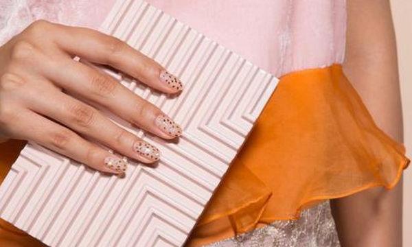 Color inspo: 8 ξεχωριστά βερνίκια νυχιών που αξίζει να δοκιμάσεις