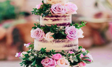 Οι πιο ρομαντικές γαμήλιες τούρτες που κάνουν θραύση στο Instagram