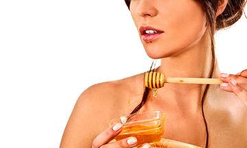Έχετε ξηρή επιδερμίδα; Φροντίστε την το καλοκαίρι με τη θαυματουργή μάσκα με μέλι