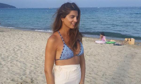 Σταματίνα Τσιμτσιλή: Στην παραλία με τις κόρες της Νάγια και Μαίρη (picς)