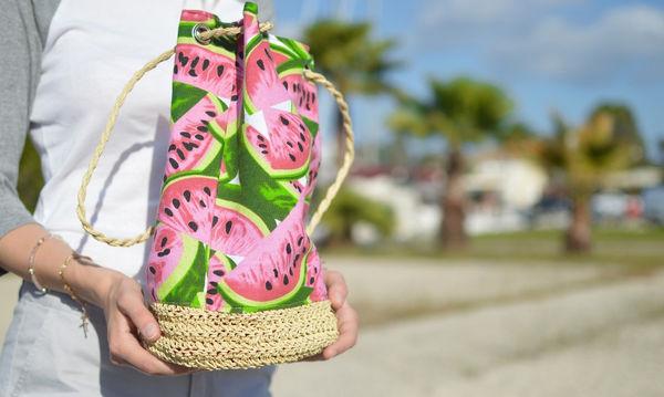 Τρία πράγματα που κάθε μαμά πρέπει έχει στην τσάντα της το Καλοκαίρι