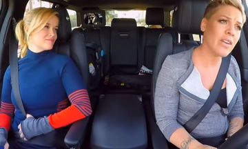 Αυτό που είπε η Pink για την κόρη της, άφησε άφωνη τη Reese Witherspoon (vid)