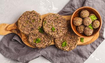 Εμπλούτισε τη διατροφή σου: Νόστιμα μπιφτέκια με φασόλια
