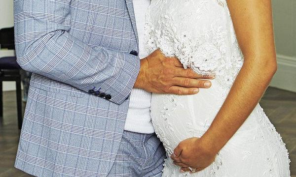 Γνωστό ζευγάρι της showbiz περιμένει το πρώτο του παιδί