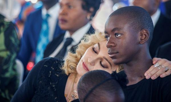 Madonna: «Kάθε γυναίκα που είναι μαμά ποδοσφαιριστή, δεν έχει ζωή»