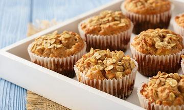 Συνταγή: Υγιεινά και νοστιμότατα muffins με βρώμη