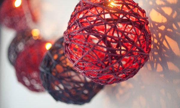 Πως να φτιάξετε εντυπωσιακά φωτιστικά και να αλλάξετε όλη την ατμόσφαιρα του δωματίου σας (vid)