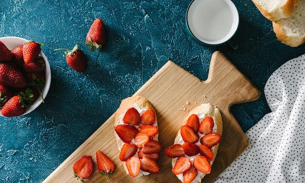 Η πιο τέλεια συνταγή γλυκού: Μπρουσκέτα με φράουλα και μασκαρπόνε