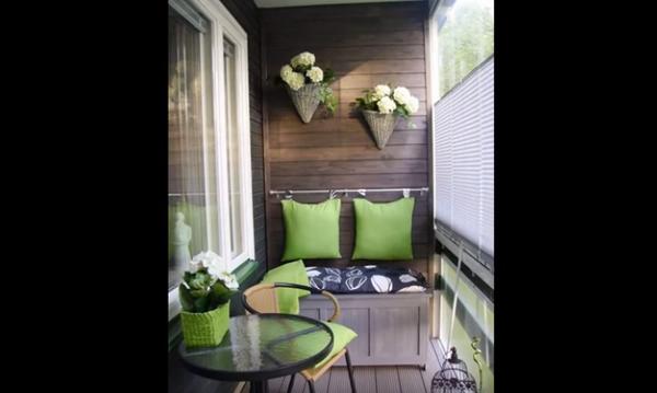 Το μπαλκόνι σας είναι μικρό; Δείτε κάποιες ιδέες πως να το διακοσμήσετε! (vid)