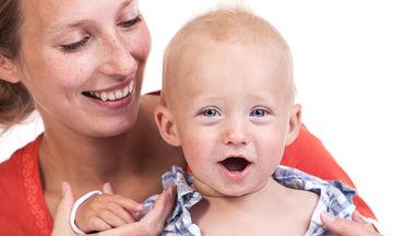 Βοηθώντας το παιδί σας να μάθει να μιλάει