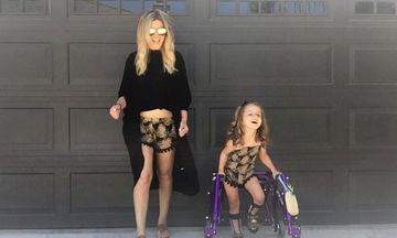 Μια περήφανη μαμά φωτογραφίζεται με το παιδάκι της που έχει εγκεφαλική παράλυση και μας συγκινεί