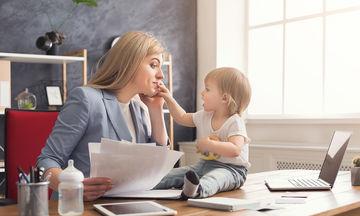 Eργαζόμενη μαμά: 5 tips που θα σας βοηθήσουν να βρείτε την ισορροπία σας