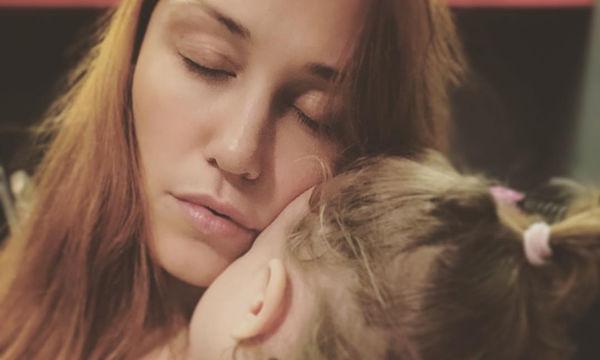 Πηνελόπη Αναστασοπούλου: Οι φώτο της κόρης της δείχνουν ότι θα γίνει μια μεγάλη ροκ σταρ (pics)