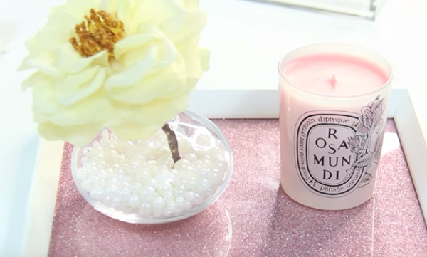 Δώστε μια ροζ πινελιά στο γραφείο σας με λίγα δημιουργικά διακοσμητικά (vid)
