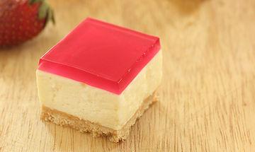 Τρελαίνονται τα παιδιά σας για ζελέ και μπισκότα; Δοκιμάστε αυτό το τουρτάκι ψυγείου!