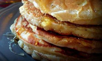 Pancakes μήλου: Ένα υπέροχο και λαχταριστό πρωινό για την πρώτη μέρα στο σχολείο