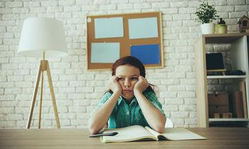 Σχολικές υποχρεώσεις: Το μέσο για την ανάπτυξη της αυτοπειθαρχίας των παιδιών μας