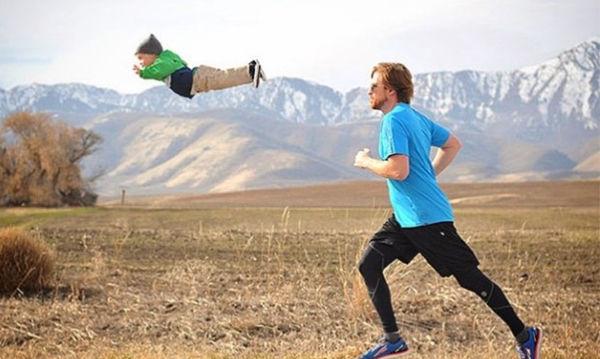 Ένας μπαμπάς κάνει τον γιο του που έχει σύνδρομο down να πετάει (pics)