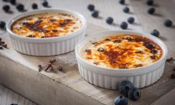 Συνταγή για πεντανόστιμη και λαχταριστή Crème brulee με μύρτιλα