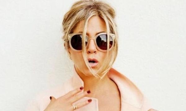 Η σαλάτα στην οποία «ορκίζεται» η Jennifer Aniston - Η συνταγή για να τη φτιάξετε και εσείς