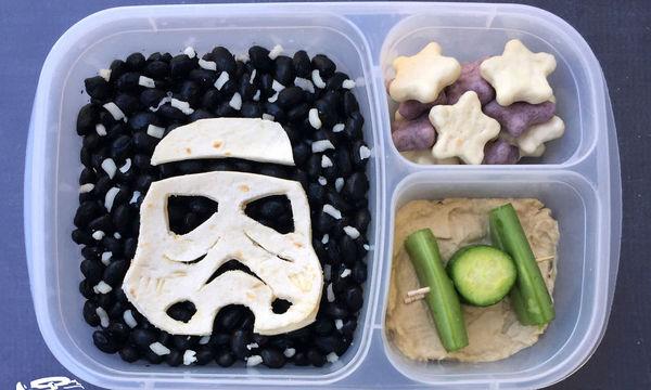 Μπαμπάς ετοιμάζει κολατσιό για τα παιδιά του με ήρωες του Star Wars και μας αφήνει άφωνους (pics)