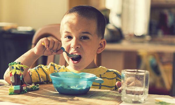 Το πιο νόστιμο πρωινό που θα γεμίσει ενέργεια εσάς & τα παιδιά σας (vid)