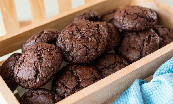 Συνταγή για λαχταριστά σοκολατένια soft cookies