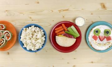 4 ιδέες για υγιεινά σνακ που θα λατρέψουν τα μικρά σας (vid)