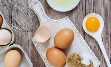 Τι θα συμβεί στο σώμα μας αν τρώμε δύο αυγά την ημέρα (vid)