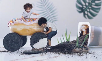 Αυτή η μαμά βγάζει φανταστικές φωτογραφίες με τη βοήθεια των παιδιών της (pics)