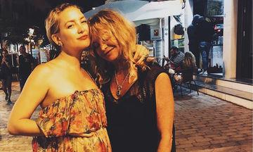 H Goldie Hawn αγόρασε στην κόρη της το πιο περίεργο δώρο τοκετού - Θα πέσετε κάτω από τα γέλια (vid)