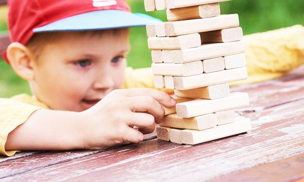 Χρησιμοποιείστε το «παιχνίδι» για να ενισχύσετε τις ικανότητες συγκέντρωσης του παιδιού σας