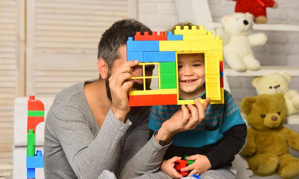 'Αδεια φροντίδας παιδιού και στον πατέρα: Πότε τι δικαιούται, πόσο διαρκεί
