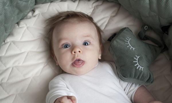 Βελούδινη κουδουνίστρα για το μωρό σας