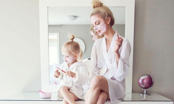 Αυτή η μαμά διασκεδάζει τη μητρότητα όσο τίποτα! (pics)