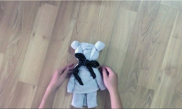 DIY: Πώς να φτιάξετε μόνες σας λούτρινα αρκουδάκια για τα μικρά σας (vid)