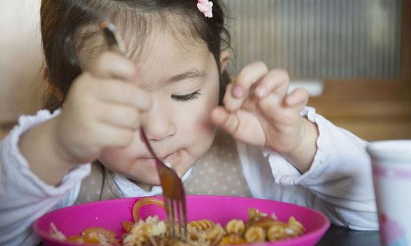 Απογαλακτισμός: ξεκινώντας τις στερεές τροφές στο μωρό σας