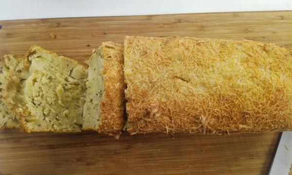 Ψωμί με δενδρολίβανο και μήλα